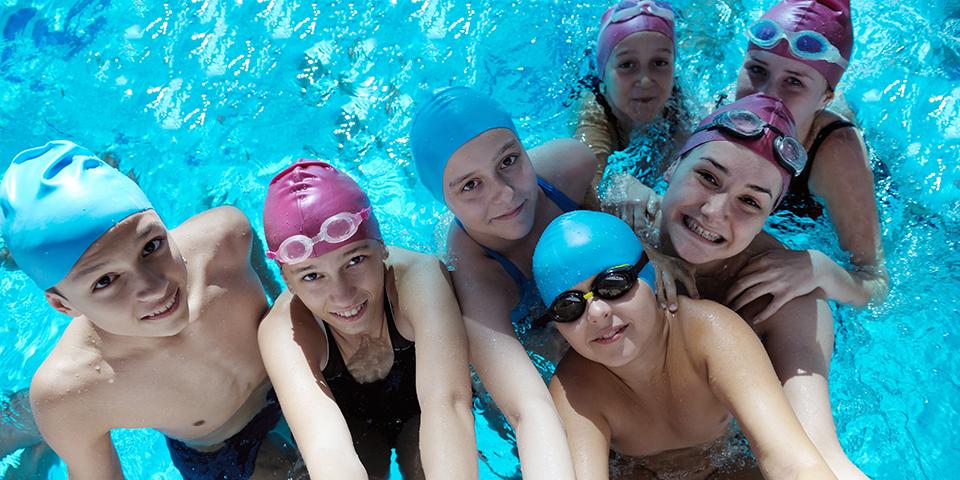 https://montreux-natation.ch/wp-content/uploads/2021/01/montreux-natation-cours-de-natation.jpg
